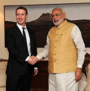 Facebook and Instagram Owner Mark Zuckerberg Enchants Barcelona with Internet.org